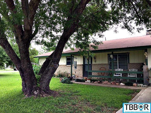 401 Joe Lee, Rogers TX 76569 - Photo 2