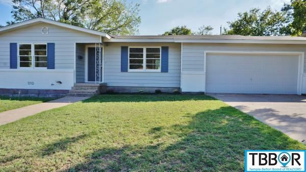 209 W Victory Ave, Temple TX 76501 - Photo 1