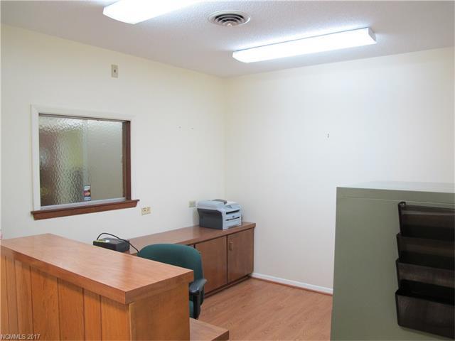 5 Doctors Park, Asheville NC 28801 - Photo 1
