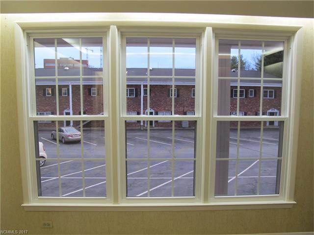 5 Doctors Park, Asheville NC 28801 - Photo 2