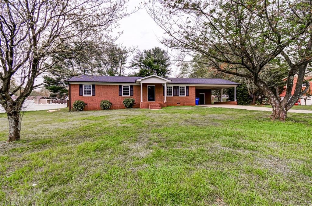 4910 Garden View Drive, Winston Salem NC 27107 - Photo 2