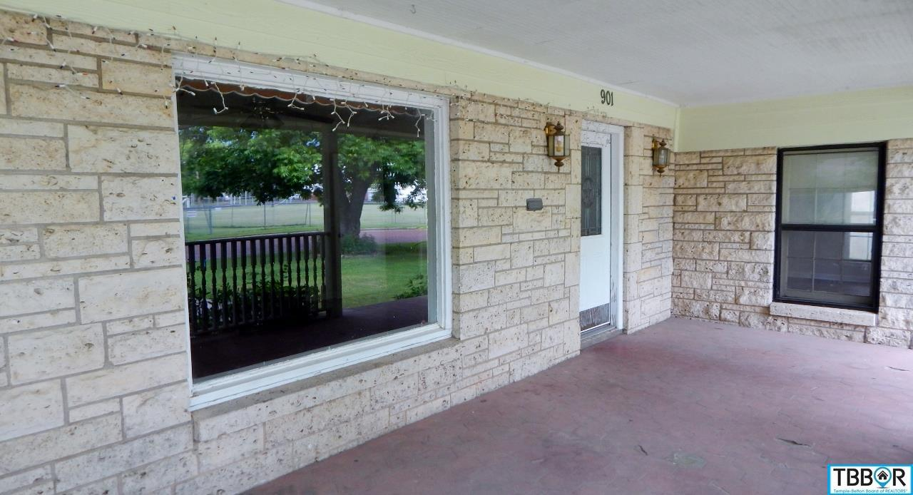 901 S 7th Street, Temple TX 76504 - Photo 2