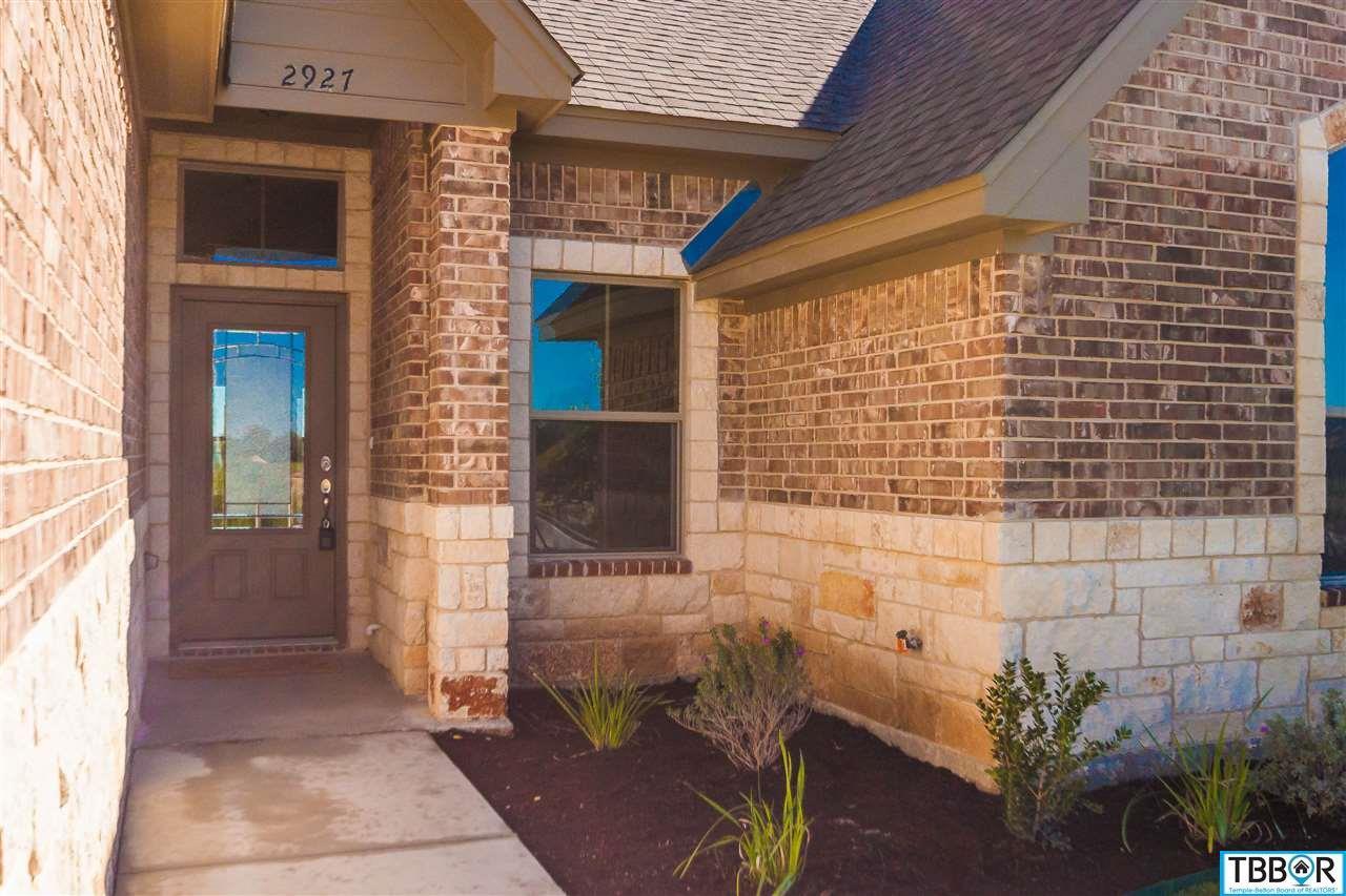 2927 Crystal Ann Drive, Temple TX 76502 - Photo 2