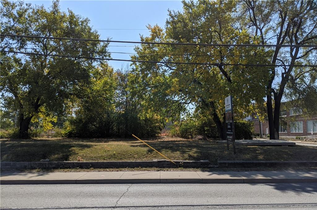 1561 Yandes Street, Indianapolis IN 46202 - Photo 2