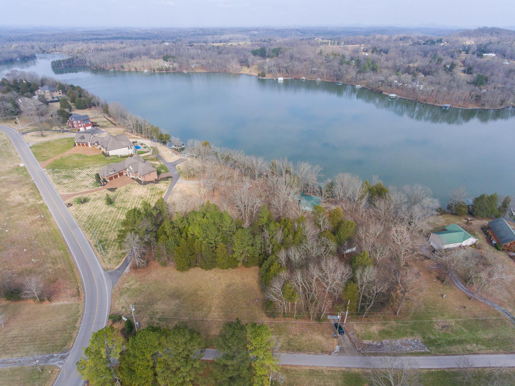 703 Pebble Point Rd, Lebanon TN 37087