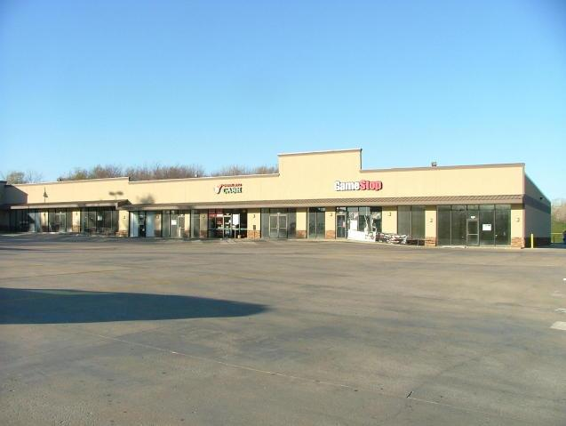 3302 S Belt, St Joseph MO 64503 - Photo 1