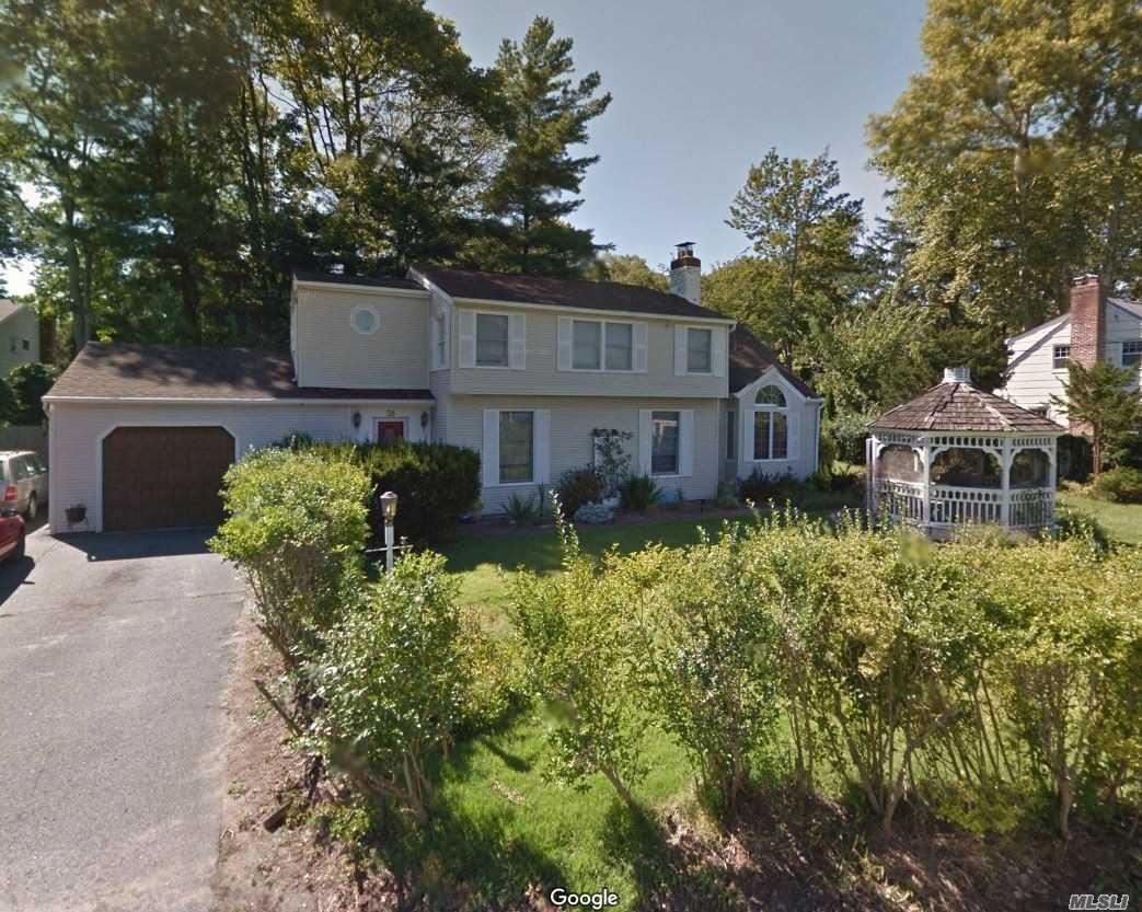 58 Argyle Avenue, Babylon NY 11702