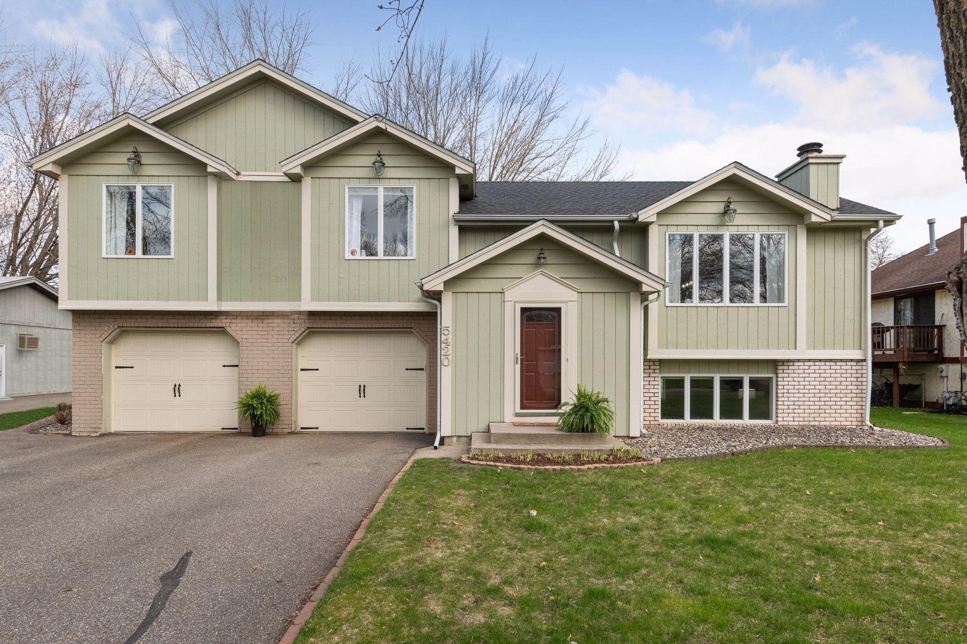 5420 Clayton Drive, Maple Plain MN 55359 - Photo 1
