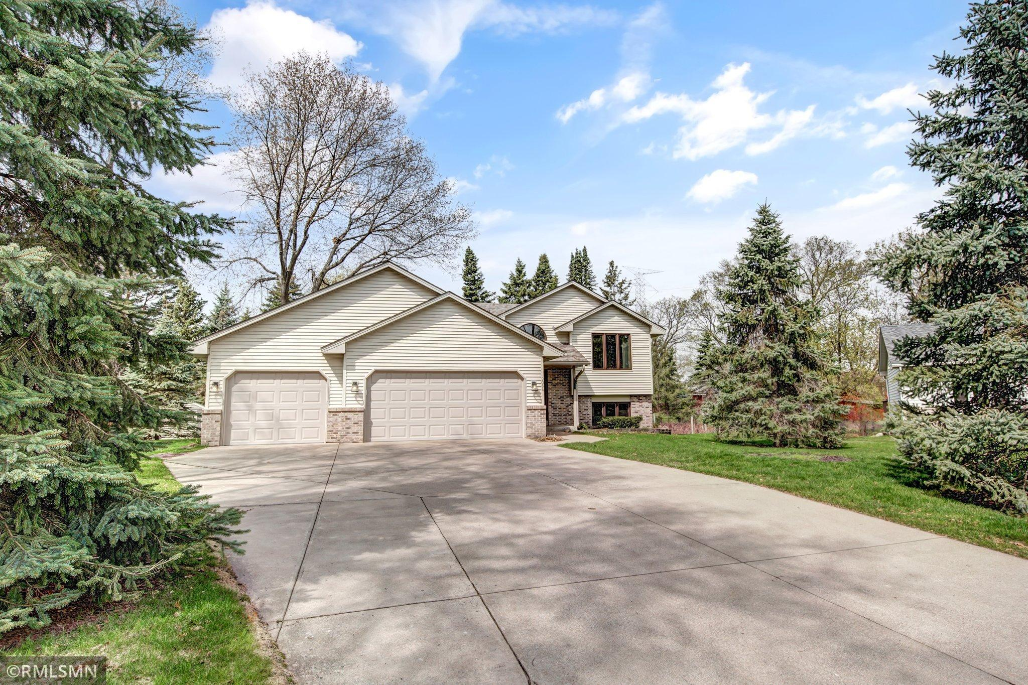 9064 Norway Street Nw, Coon Rapids MN 55433 - Photo 2