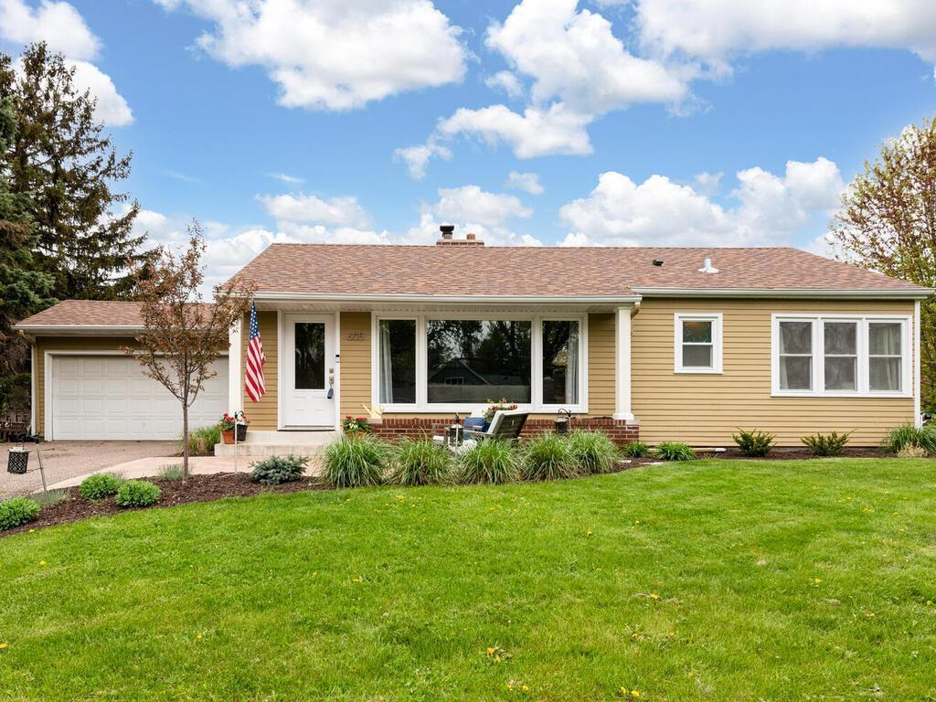 605 Garden Lane, Mendota Heights MN 55118 - Photo 2