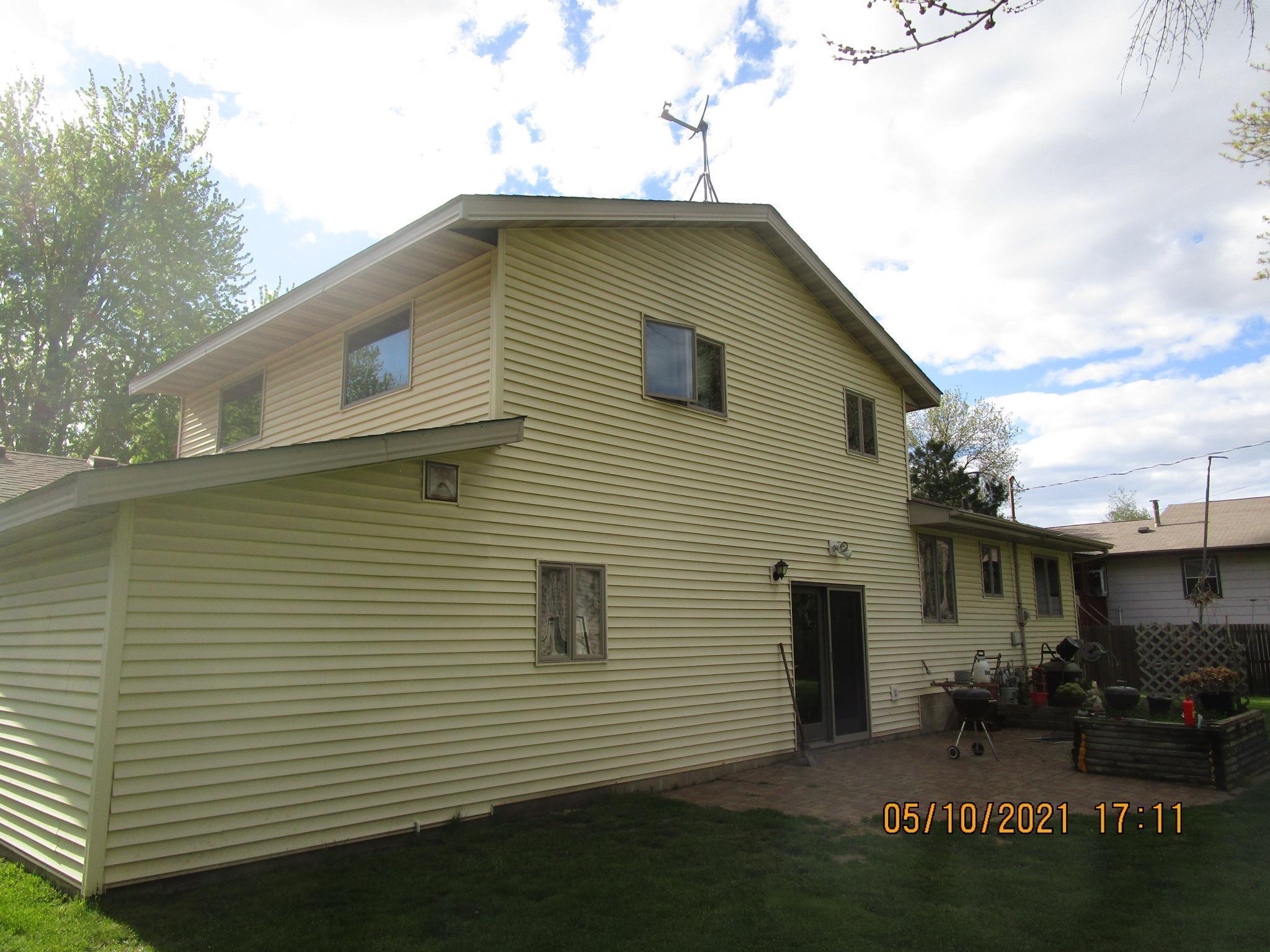 1195 Jackson Street S, Shakopee MN 55379 - Photo 2
