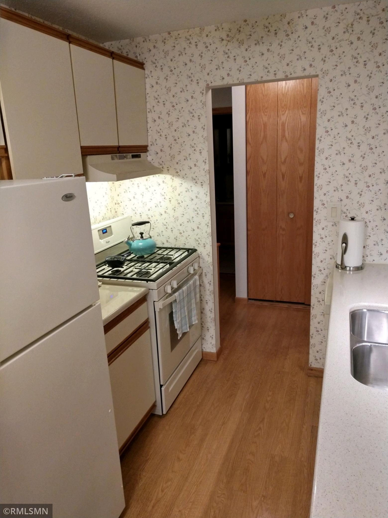 8045 Xerxes Avenue S # 203, Bloomington MN 55431 - Photo 2