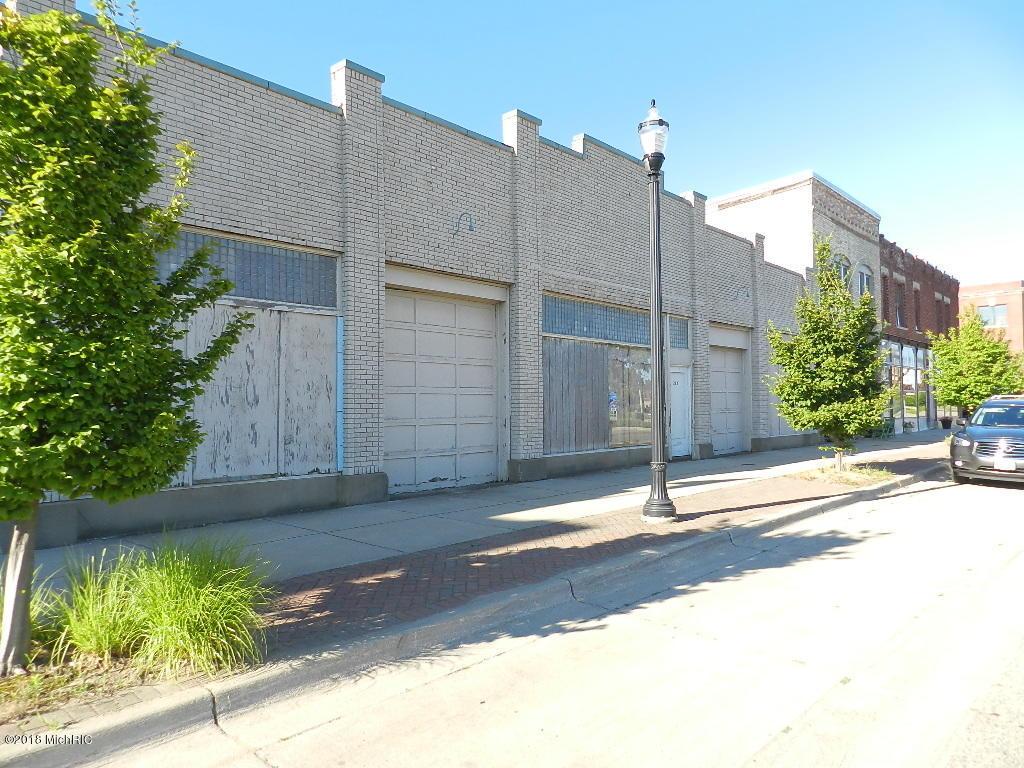 242 Territorial Rd Road, Benton Harbor MI 49022 - Photo 1