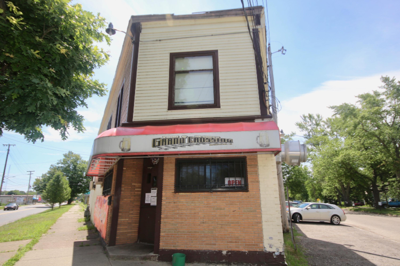 1010 Pipestone Street, Benton Harbor MI 49022 - Photo 1