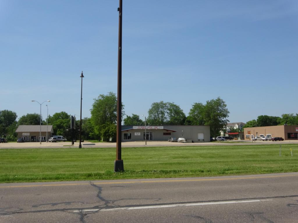 2211 E Main Street, Albert Lea MN 56007 - Photo 1
