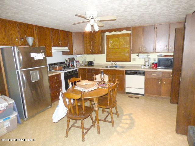 119 2nd Avenue Sw, Spring Grove MN 55974 - Photo 2