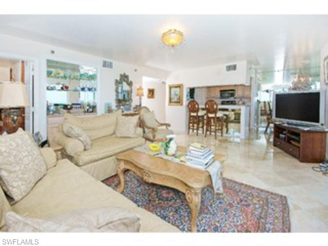 5550 Heron Pt # 505, Naples FL 34108 - Photo 2