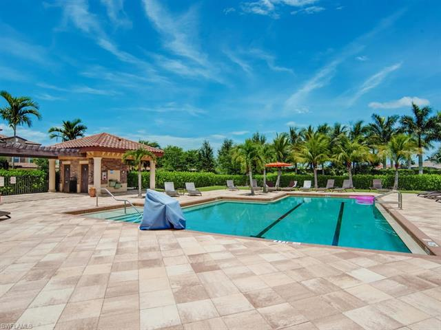 9735 Acqua Ct # 635, Naples FL 34113 - Photo 2