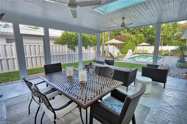 359 2nd Ave Ave N, Naples FL 34102