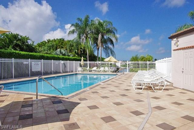 840 New Waterford Dr # O-103, Naples FL 34104