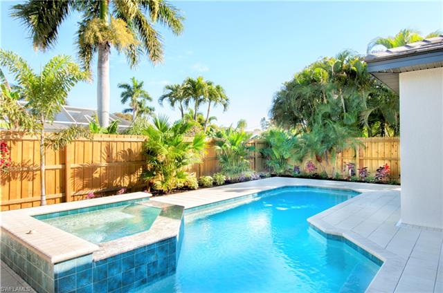 711 102nd Ave N, Naples FL 34108 - Photo 2