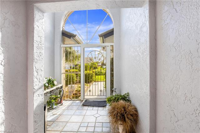 561 Countryside Dr, Naples FL 34104 - Photo 2