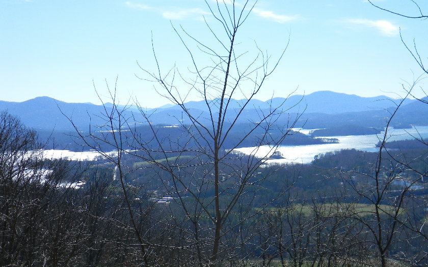 L 60m Mountain Harbour, Hayesville NC 28904