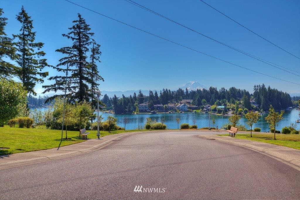 17510 16th Street Ct E, Lake Tapps WA 98391 - Photo 2