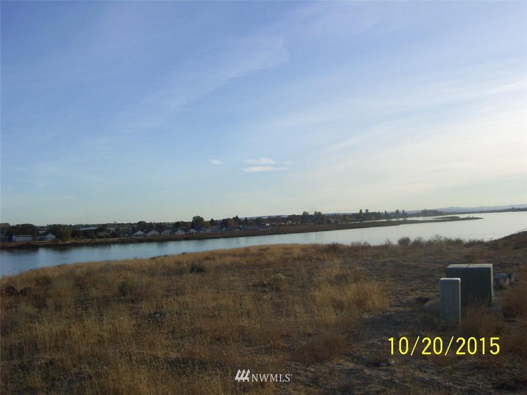 1256 Crestview Drive, Moses Lake WA 98837 - Photo 2