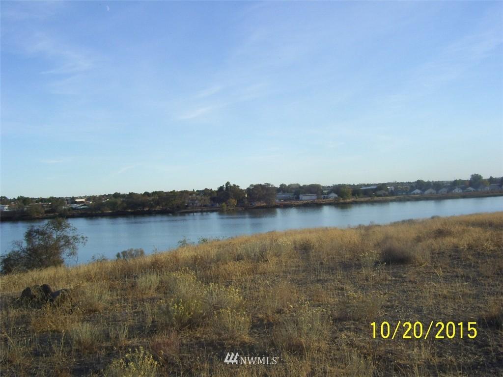 178 N Crestview Drive, Moses Lake WA 98837 - Photo 1