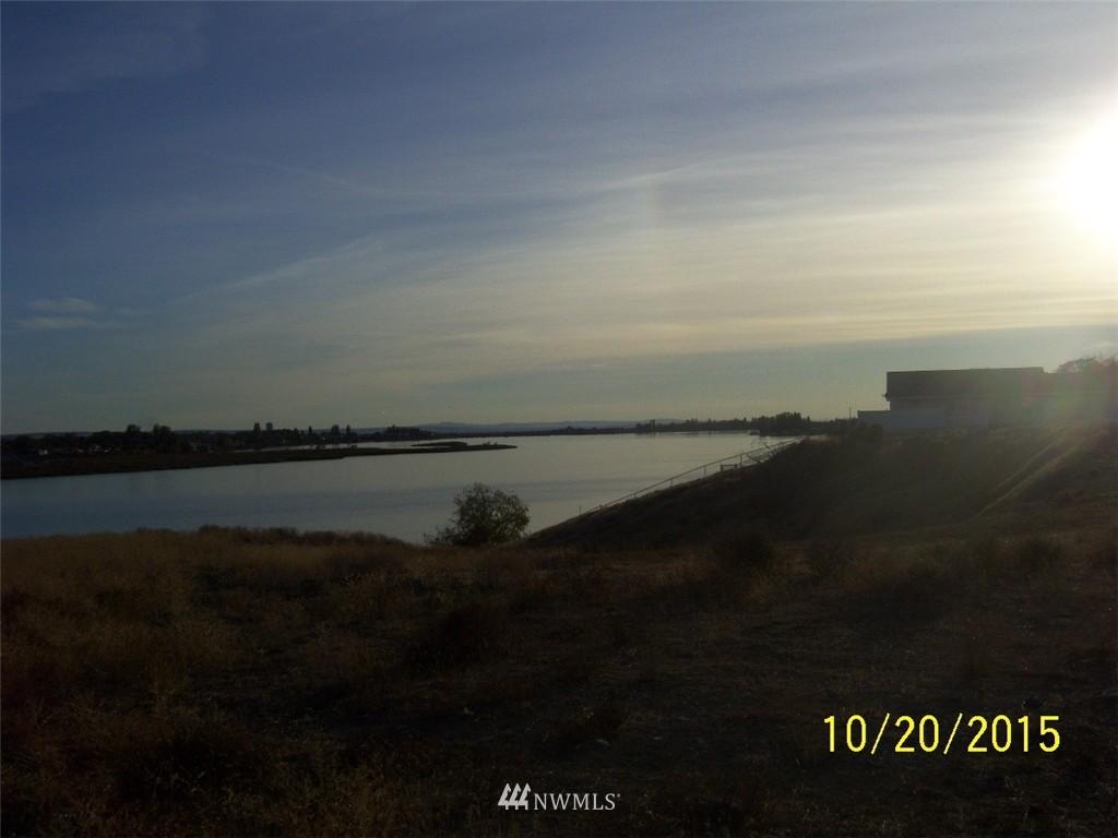 178 N Crestview Drive, Moses Lake WA 98837 - Photo 2