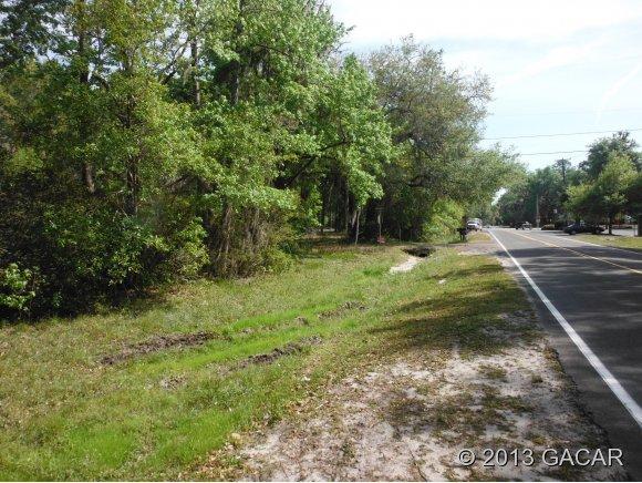 102 Ne 9th Avenue, Micanopy FL 32667 - Photo 2