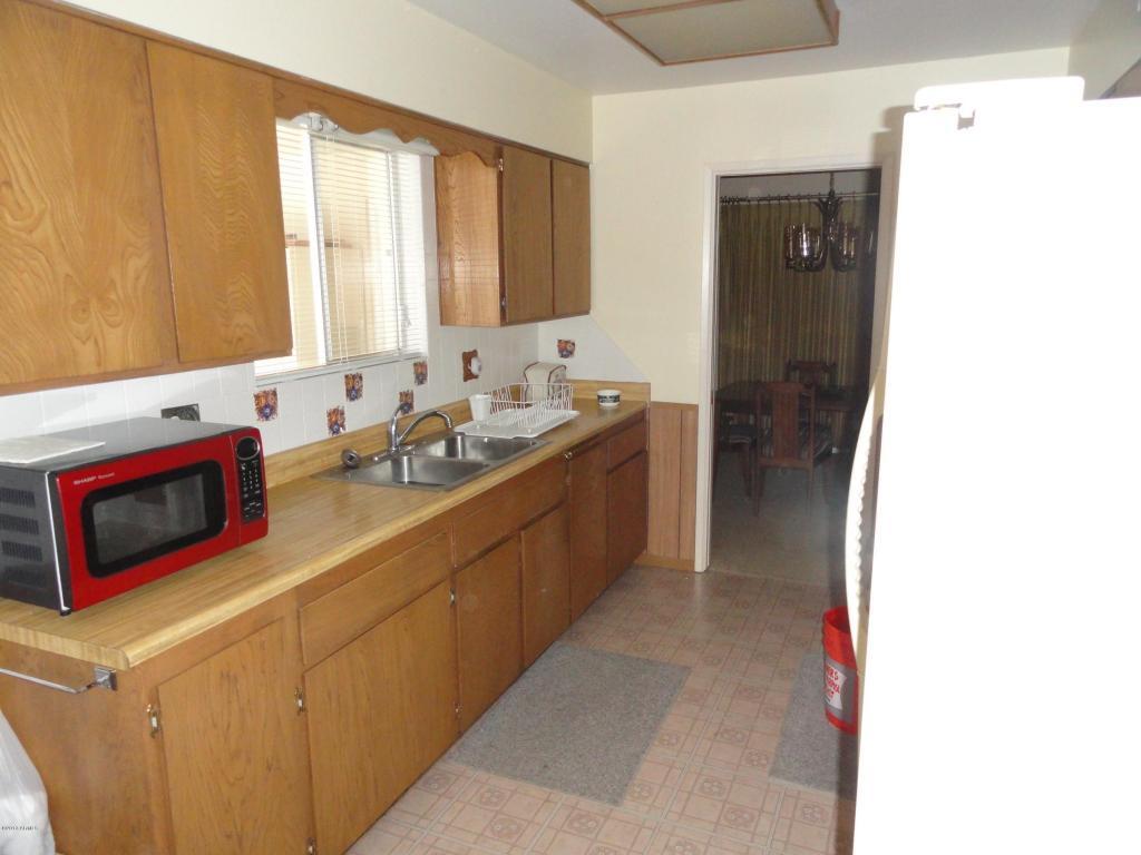 10438 W Mountain View Road, Sun City AZ 85351 - Photo 2