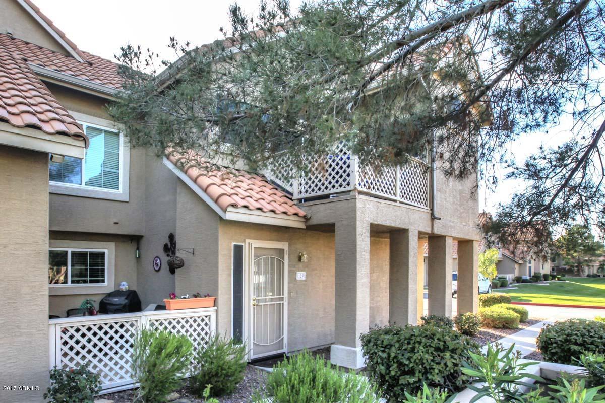 1633 E Lakeside Drive, Unit 129, Gilbert AZ 85234 - Photo 2
