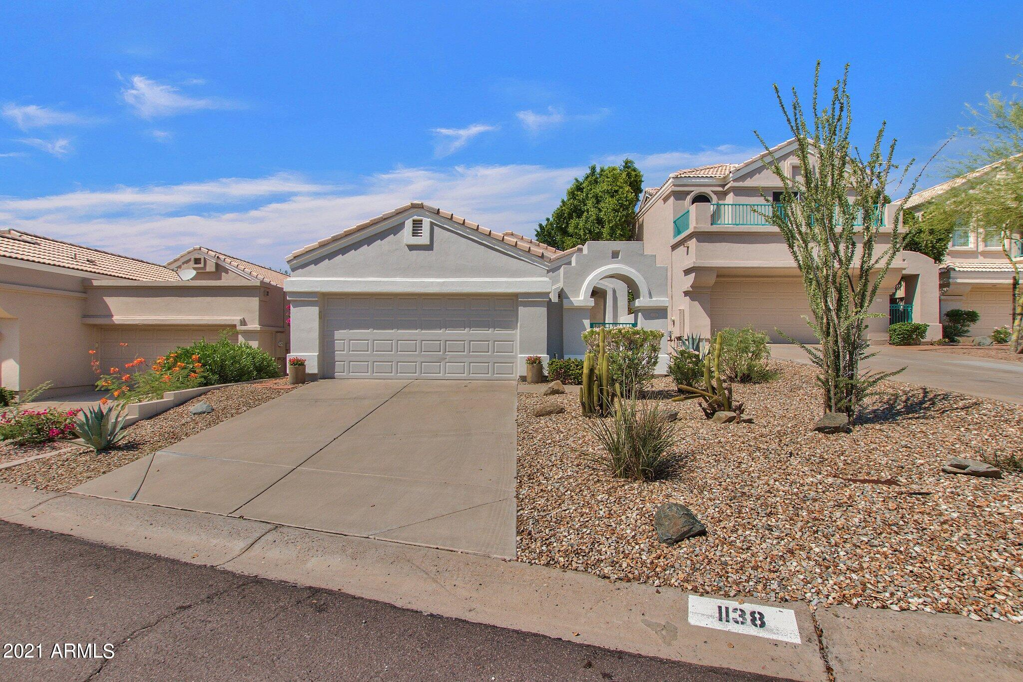 1138 E Amberwood Drive, Phoenix AZ 85048 - Photo 1