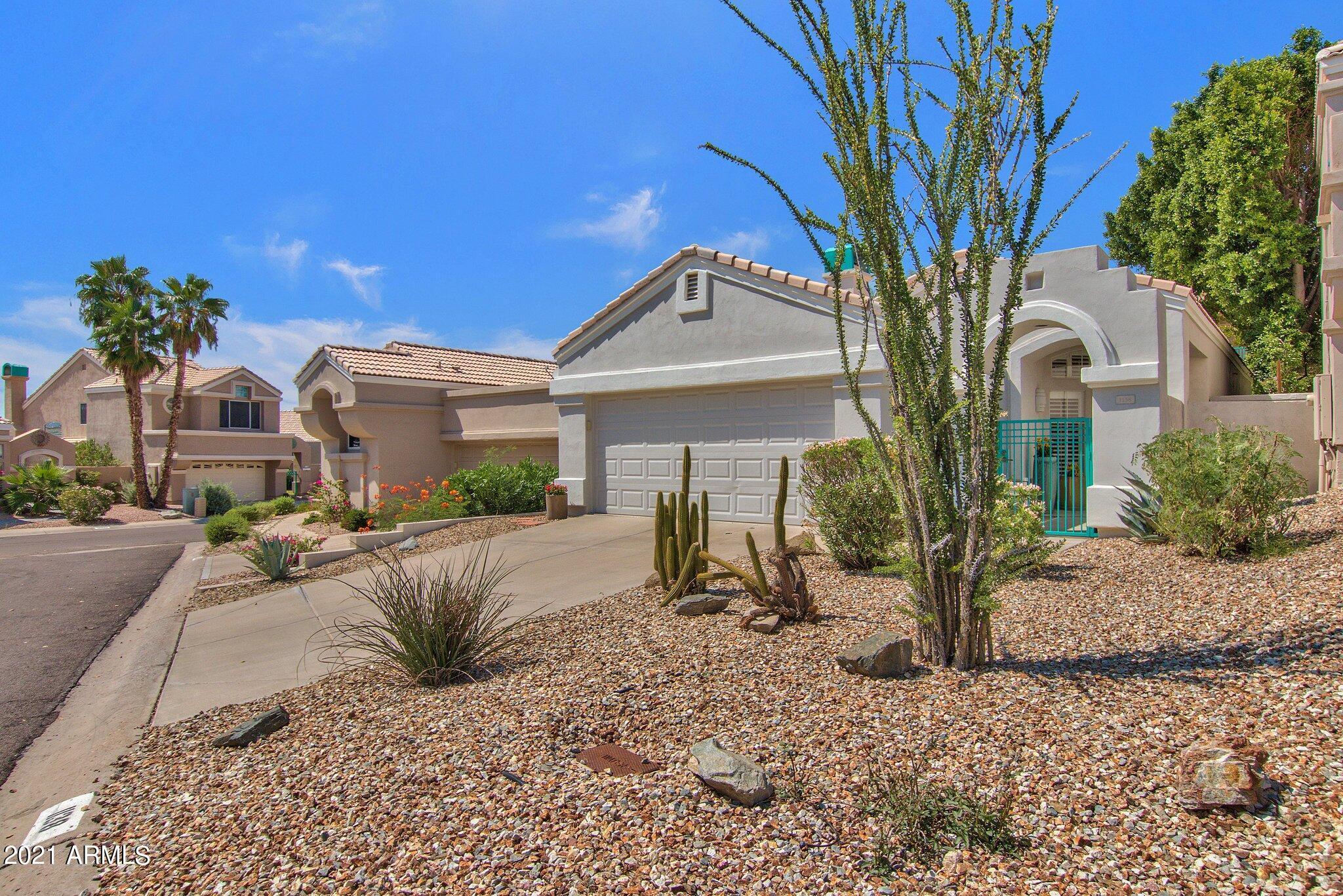 1138 E Amberwood Drive, Phoenix AZ 85048 - Photo 2