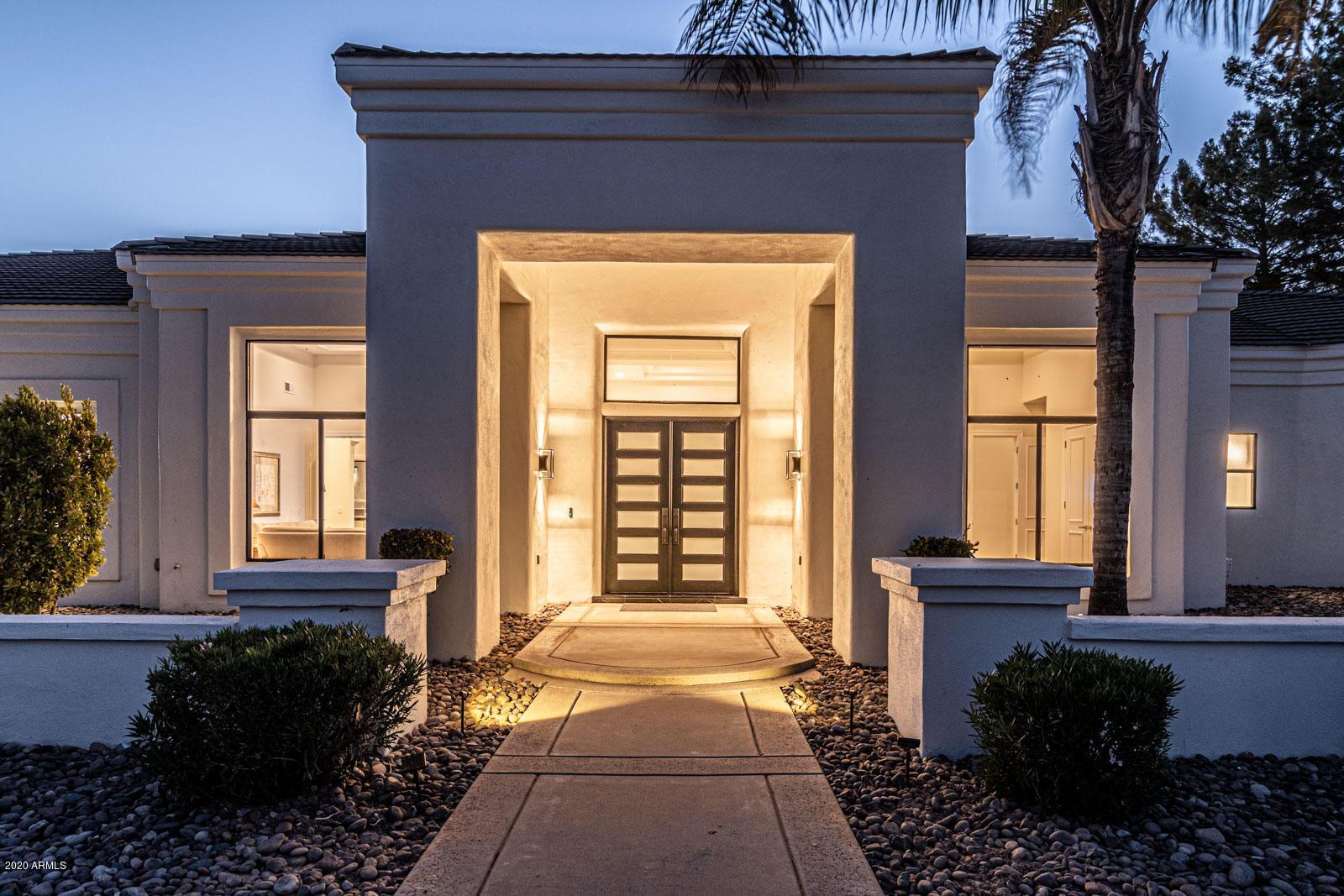 9440 N 57th Street, Paradise Valley AZ 85253 - Photo 2
