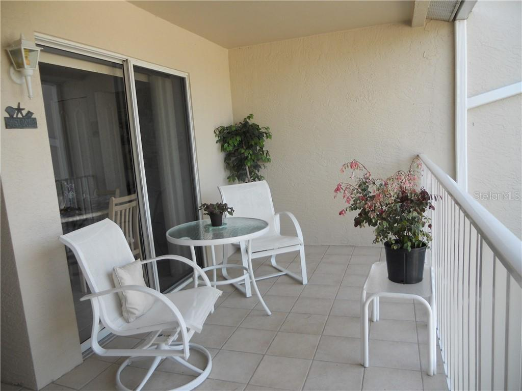 9550 High Gate Dr #1522, Sarasota FL 34238 - Photo 2