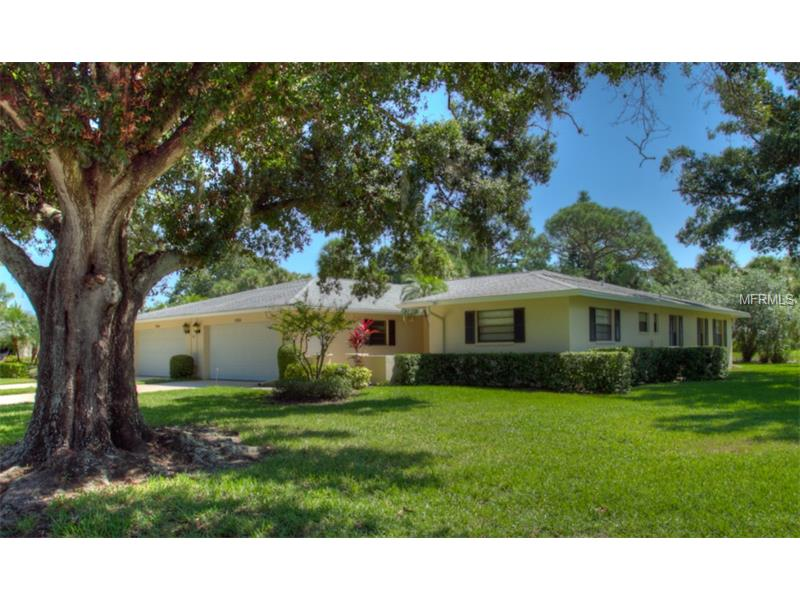 7093 Fairway Bend Lane, Sarasota FL 34243 - Photo 2