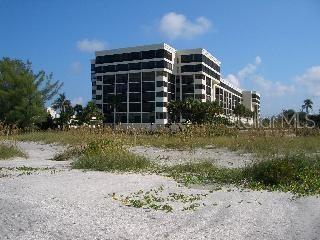 1102 Ben Franklin Drive #514, Sarasota FL 34236