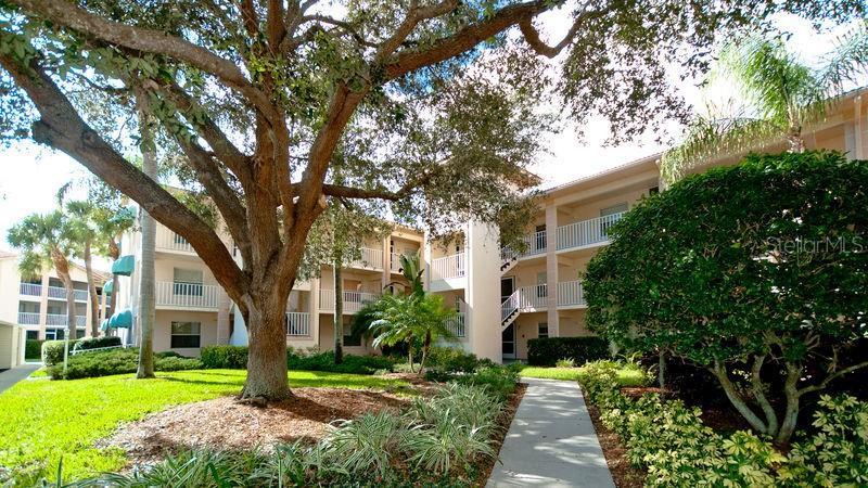 9300 Clubside Circle #1109, Sarasota FL 34238