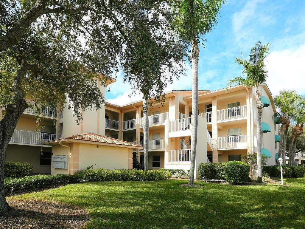 9300 Clubside Circle #1305, Sarasota FL 34238