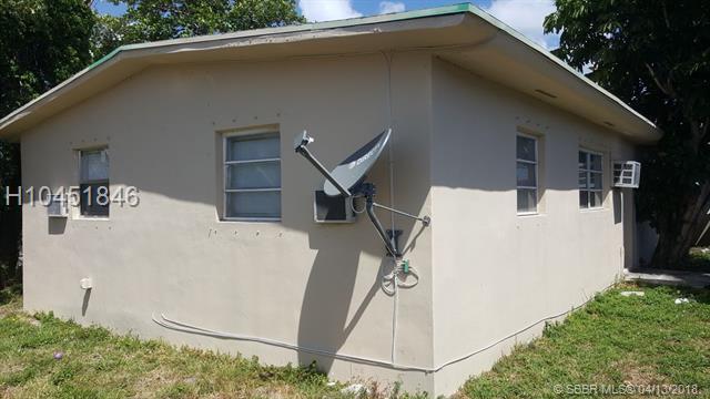 105 Nw 10th St, Hallandale FL 33009 - Photo 2