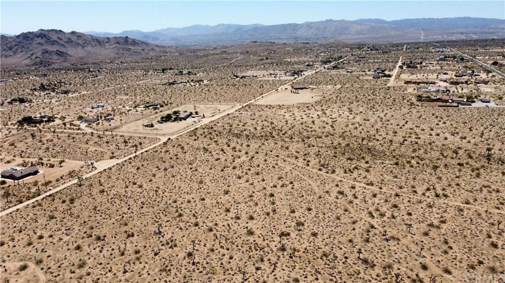 5 Bonita Avenue, Yucca Valley CA 92284 - Photo 2