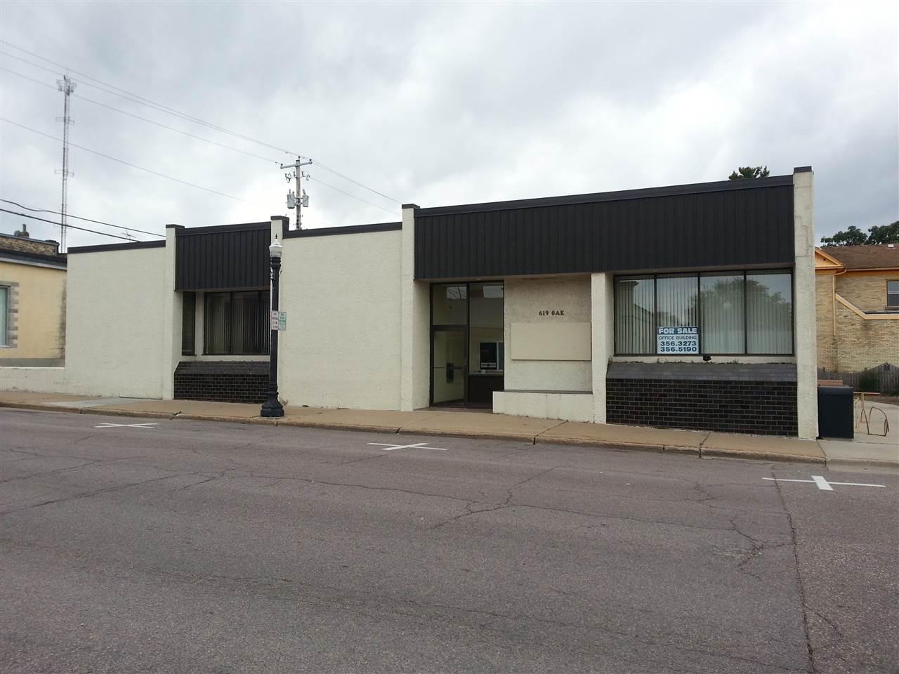 619 Oak St, Baraboo WI 53913 - Photo 1