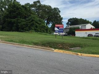 1300 Royal Avenue, Front Royal VA 22630 - Photo 2