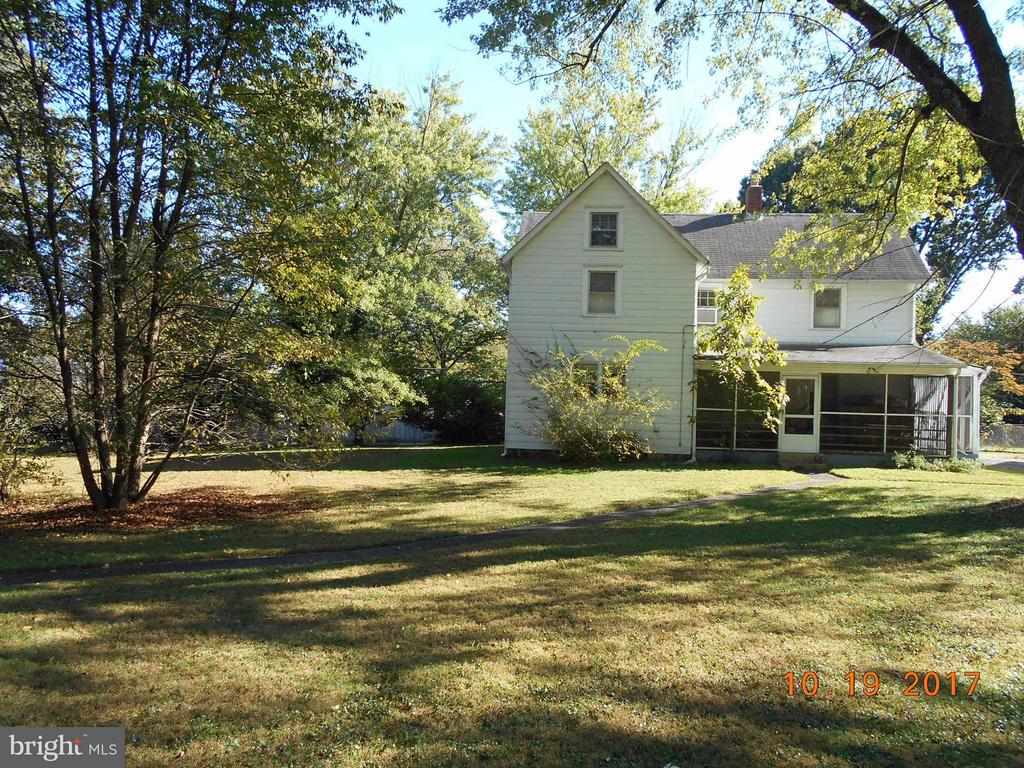 445 Courthouse Road Sw, Vienna VA 22180 - Photo 2