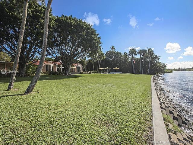 36 Riverview Road, Hobe Sound FL 33455 - Photo 2