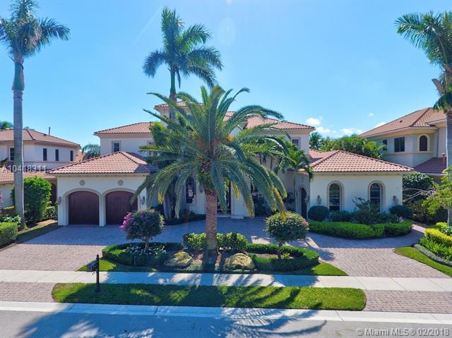680 Hermitage Cir, Palm Beach Gardens FL 33410 - Photo 2