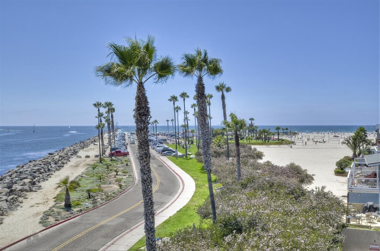 2595 Ocean Front Walk 7, San Diego CA 92109 - Photo 2